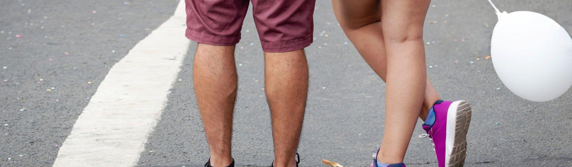 Pärchen in Shorts