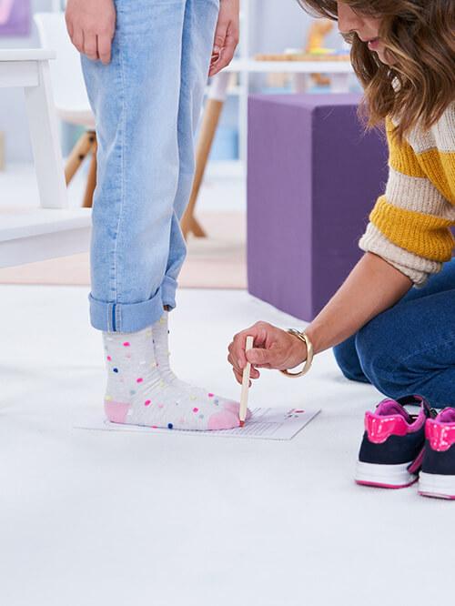 "Eefanten-Schuhe Füße messen: elefanten-""Kids Talk"" mit Nazan Eckes"