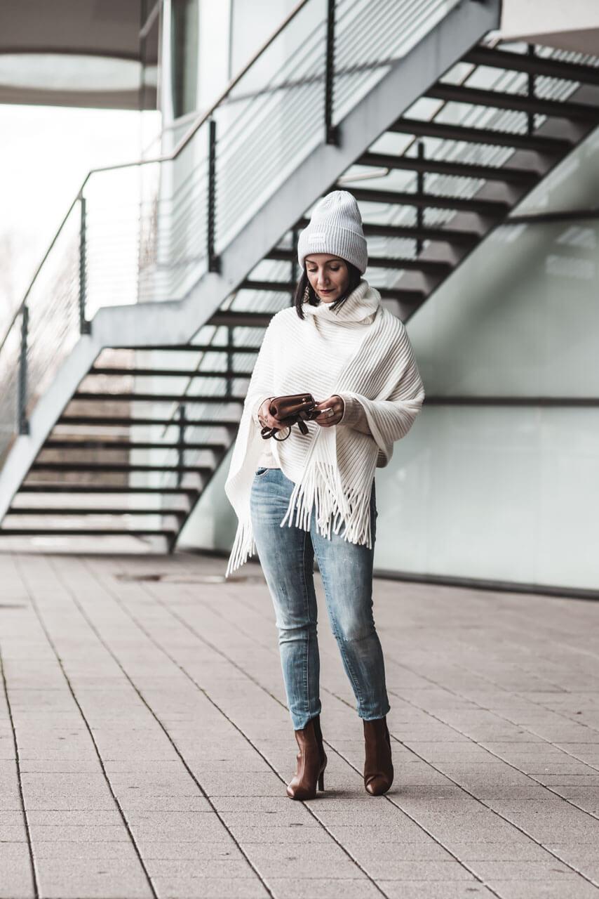 Poncho Outfit für milde Wintertage Shoelove Deichmann