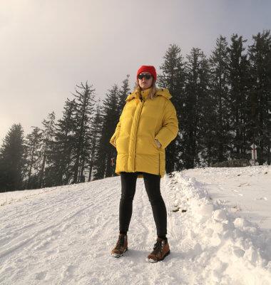 Apres-Ski Outfit Ganzkörper Beanie