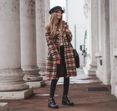 Karo Mäntel stylisch mit Skinny Jeans kombinieren