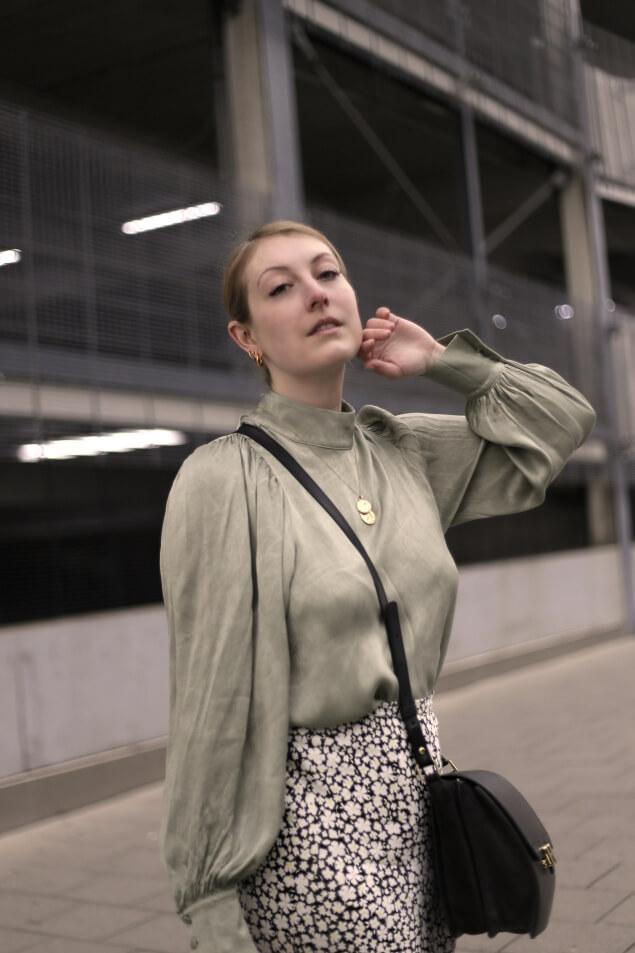Bluse mit Ballonärmeln Maison Heroine Tasche