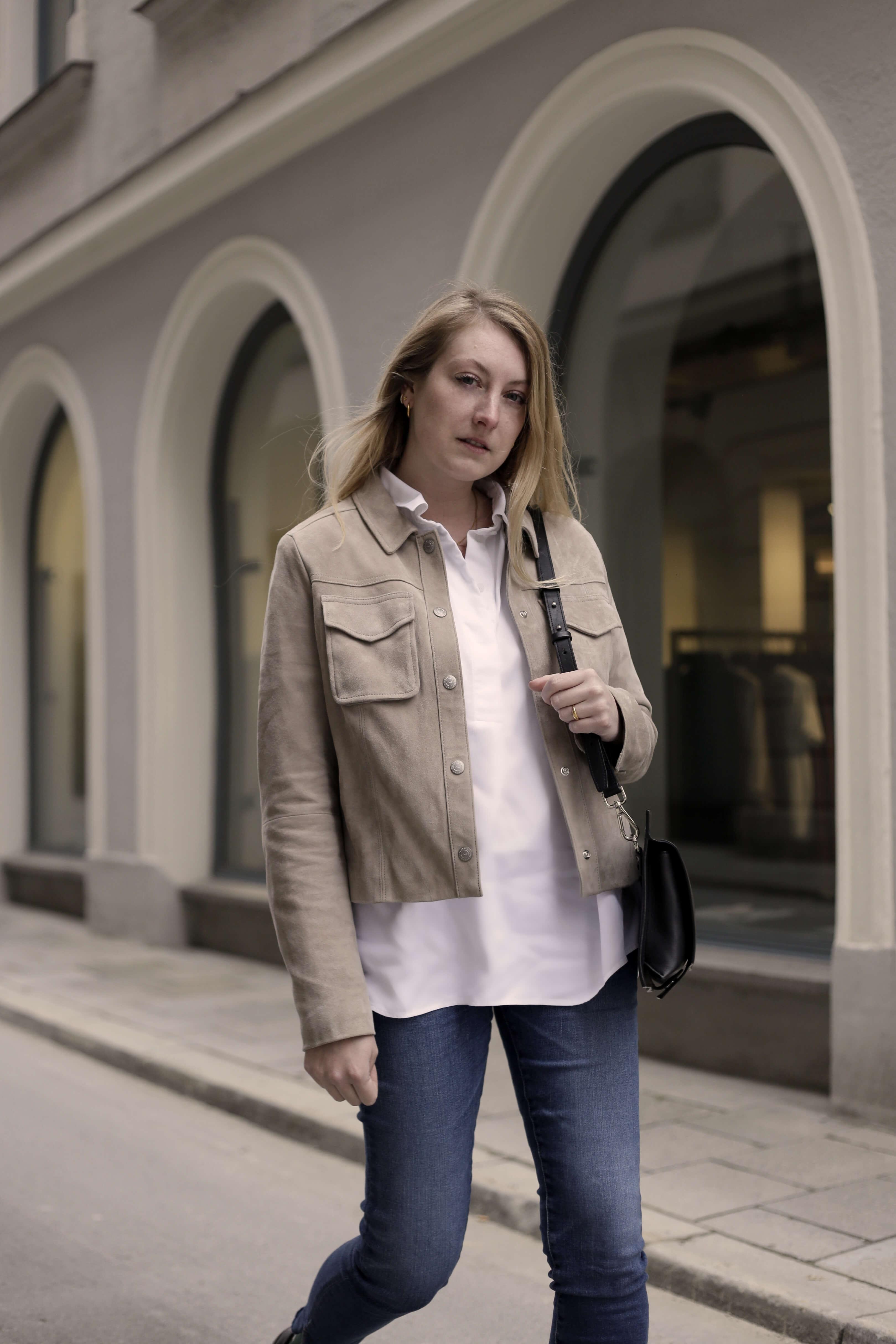 Weiße Bluse Frühlingslook Klassiker Front
