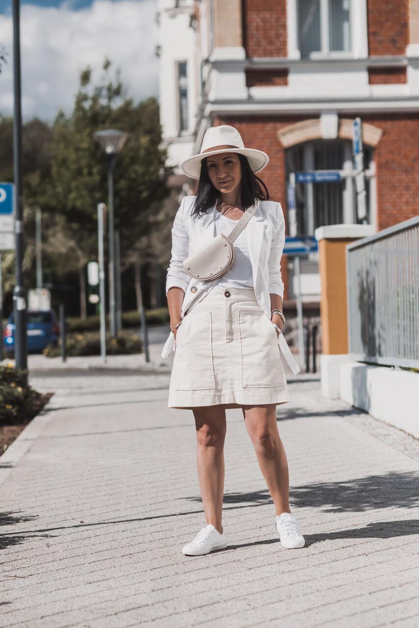 So geht der sommerliche All-White-Look Shoelove Deichmann