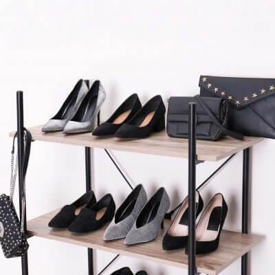 Schuhe sortieren, Schuhregal