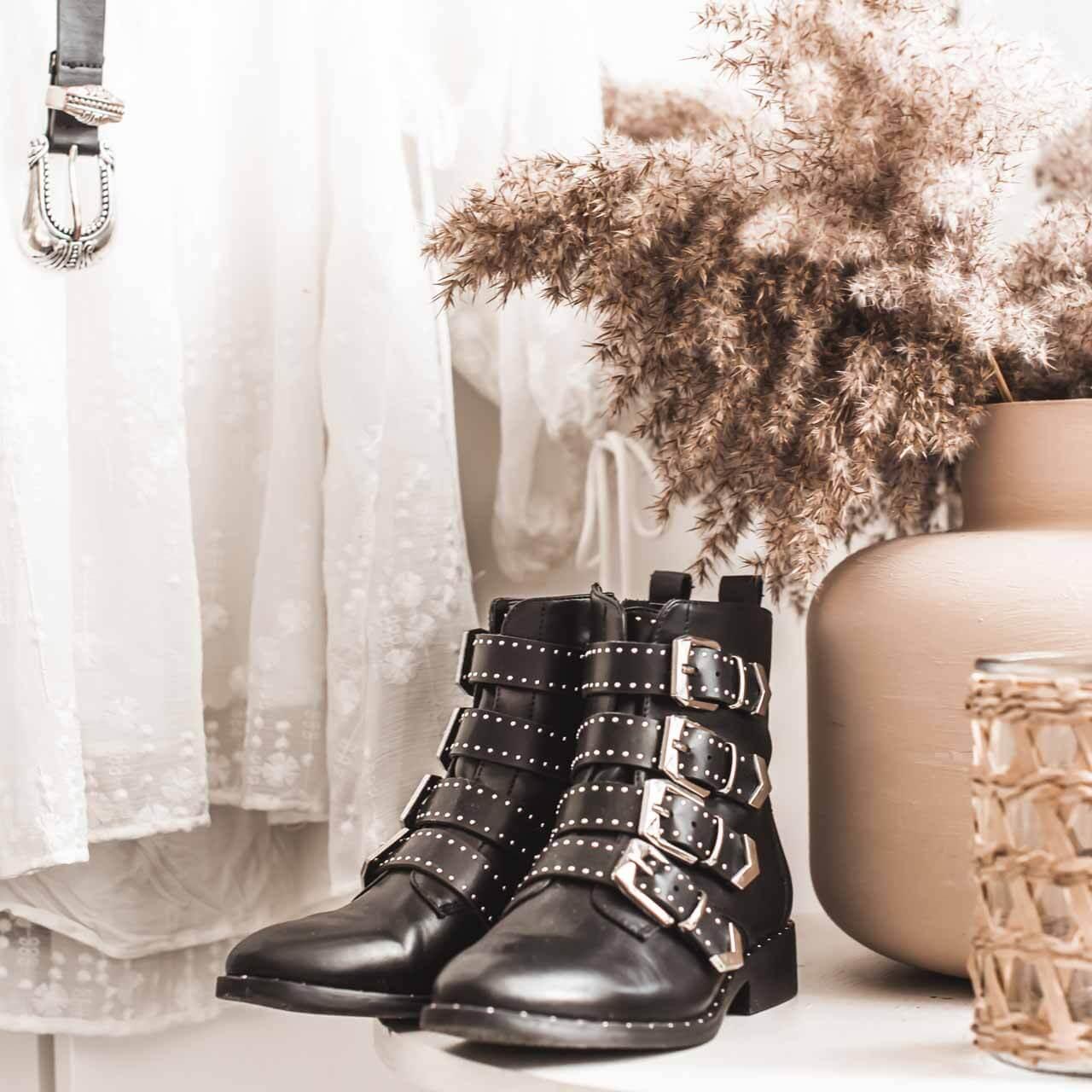 Boots Zum Kleid