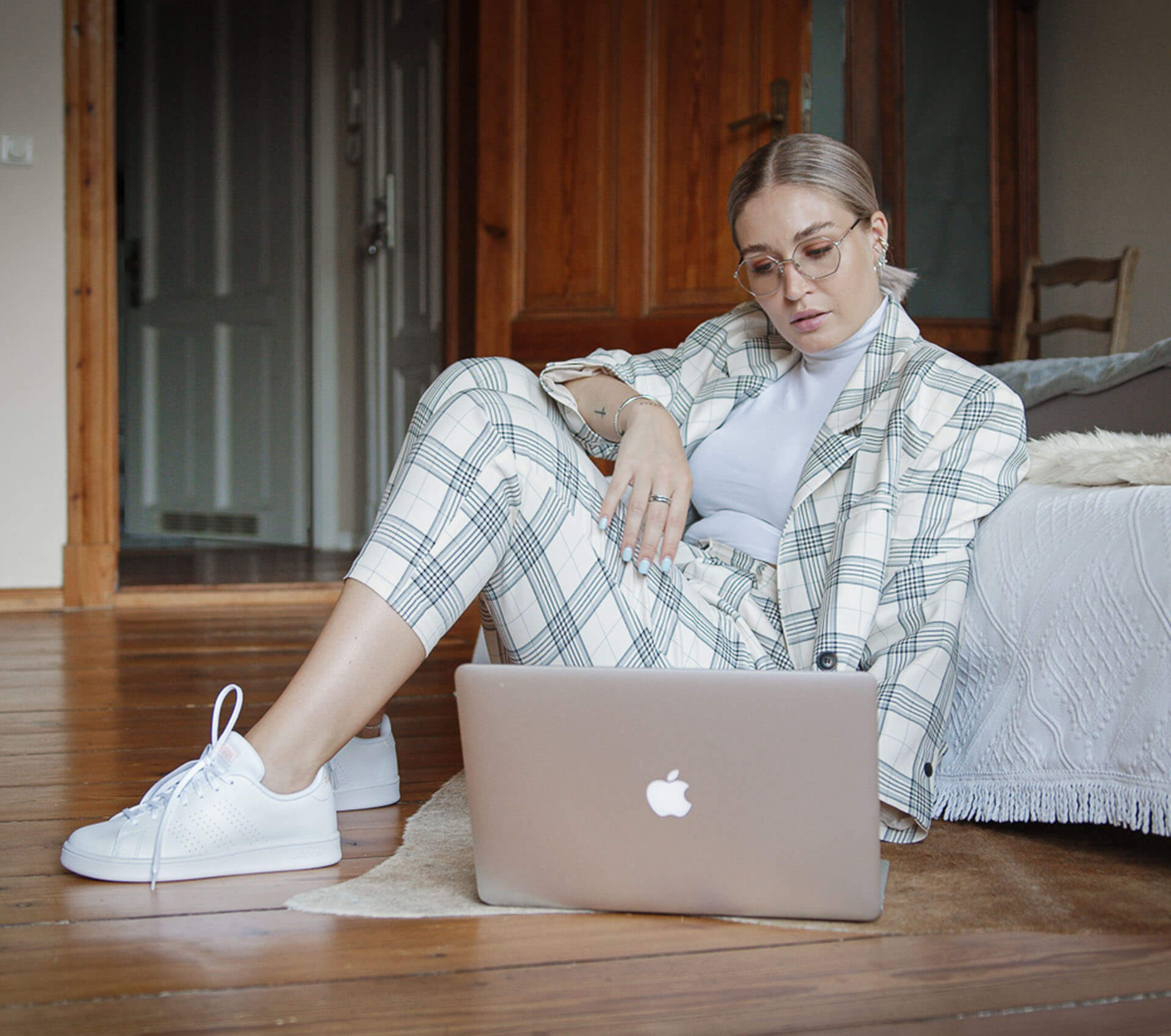 Marken Sneaker Deichmann, @lauralamode, Adidas Advantage Base