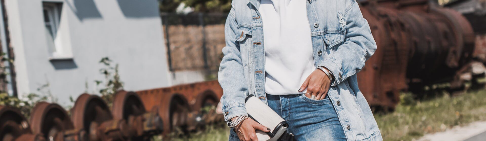 Denim-All-Over-Look im Herbst