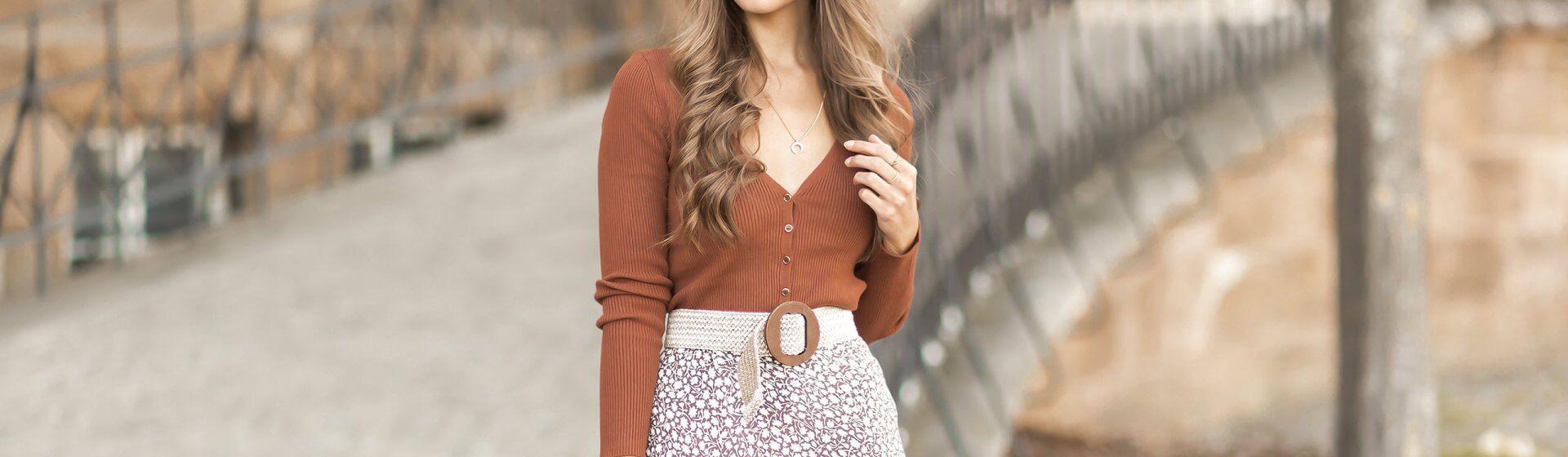 Herbst Trendfarben 2020, Herbstfarben kombinieren, Herbstoutfit, weiße Stiefel, Shoelove by Deichmann