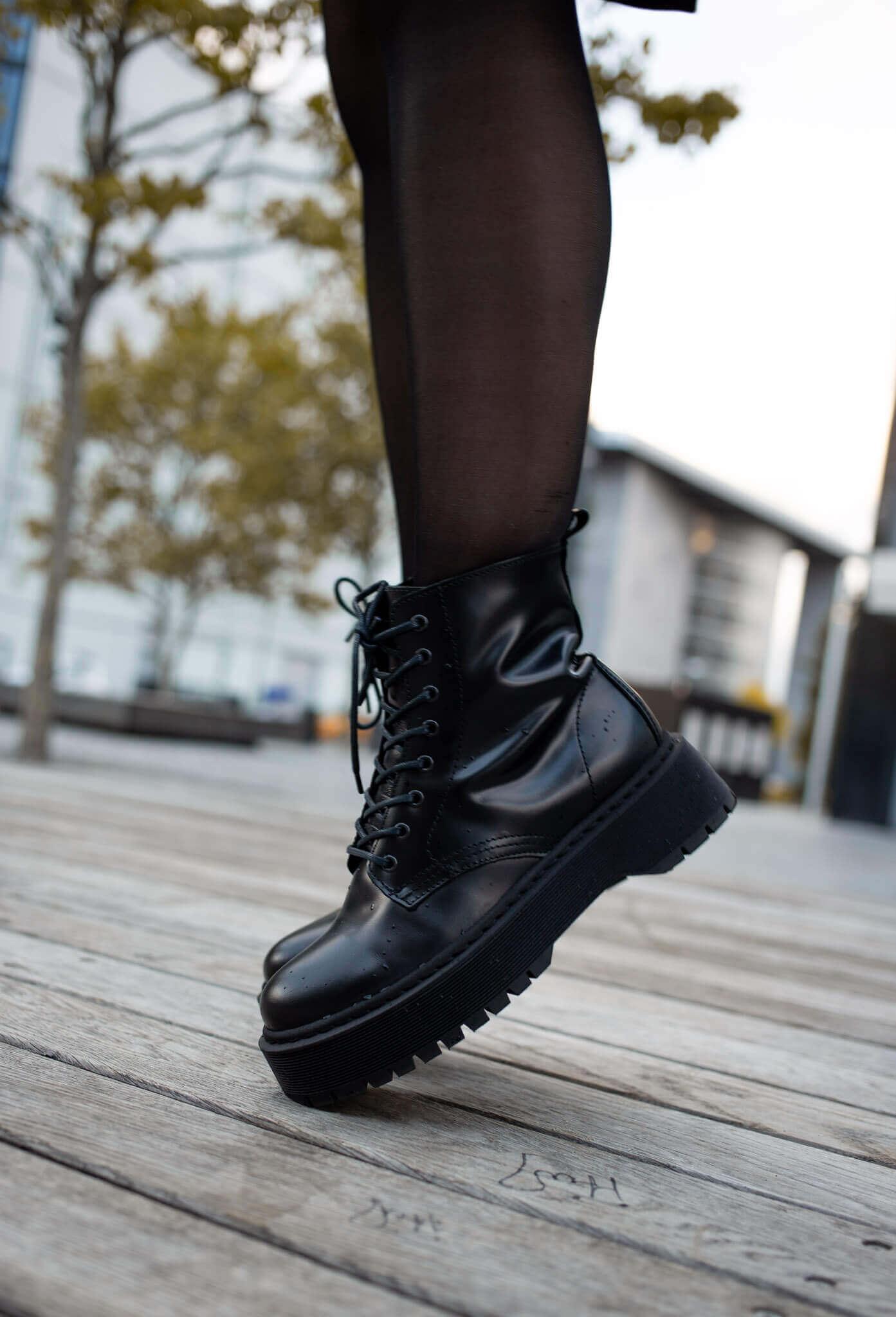 biker boots winter trend outfit kombinieren