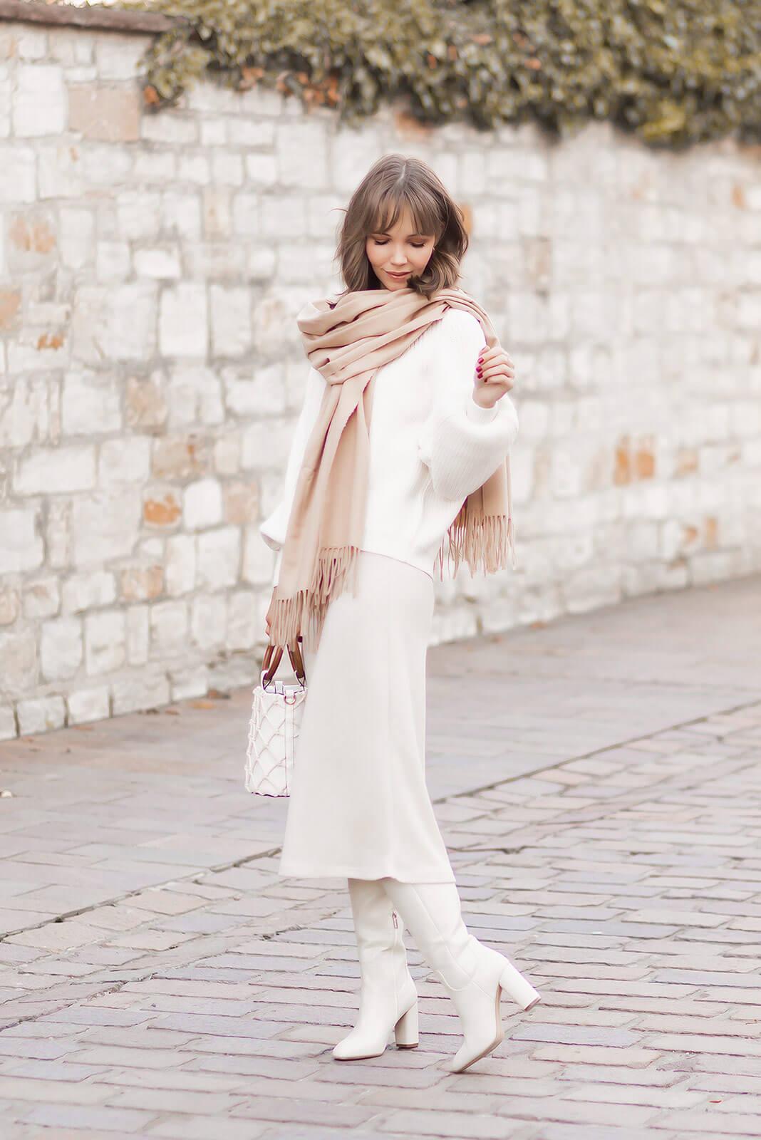 Weiße Stiefel kombinieren, Schuhtrend 2020, All White Outfit für den Herbst, Shoelove by Deichmann
