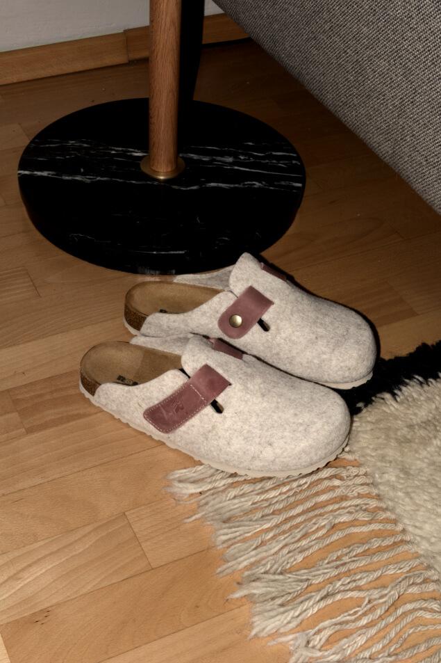Hausschuhe aus Wolle von DEICHMANN