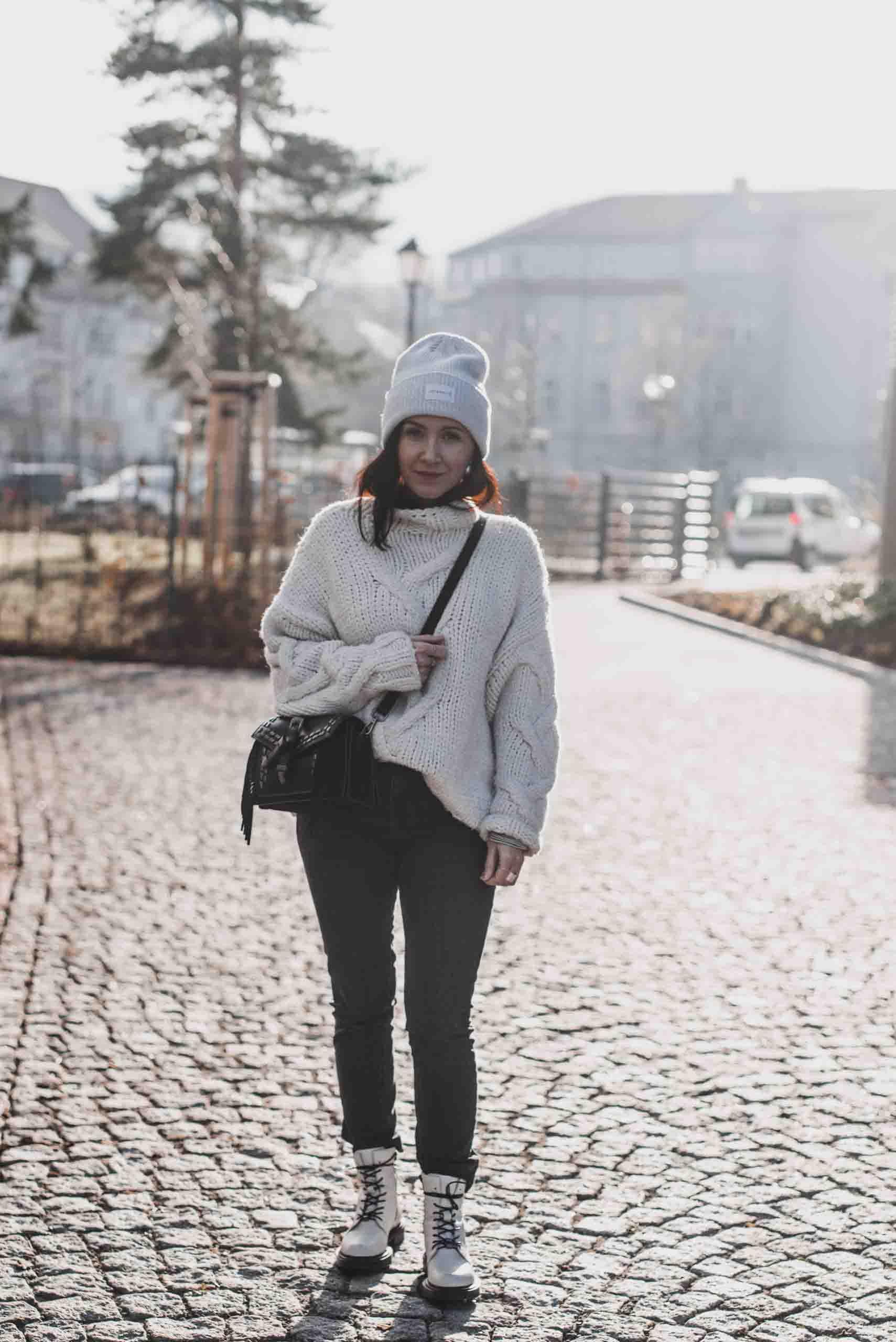 Statement Strick : so tragen wir große Pullover Shoelove Deichmann
