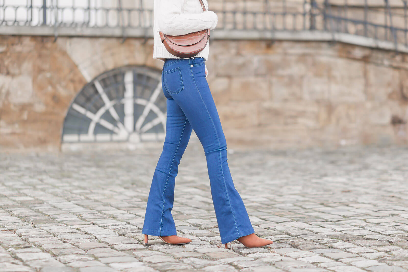 Jeans Trends 2021 - Bootcut Jeans kombinieren