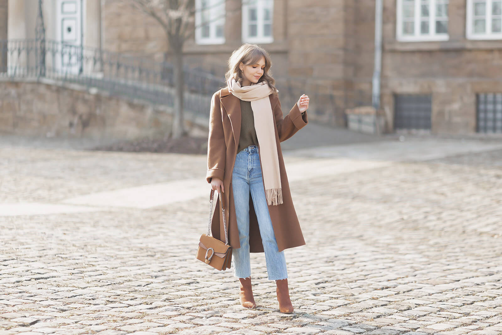 XXL Mäntel kombinieren, Oversized Coats Trend, Shoelove by Deichmann