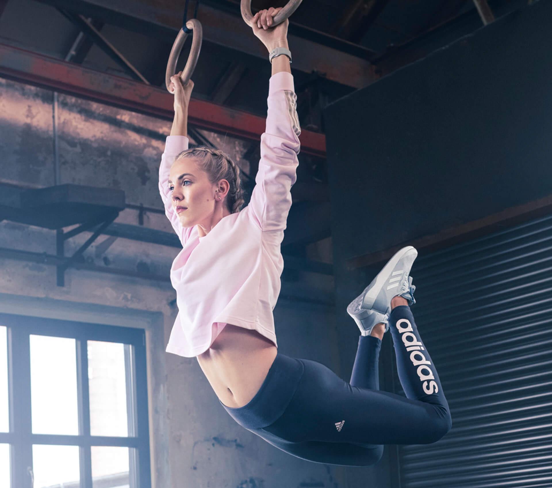 Workout an Ringen mit angesagten Sneakern