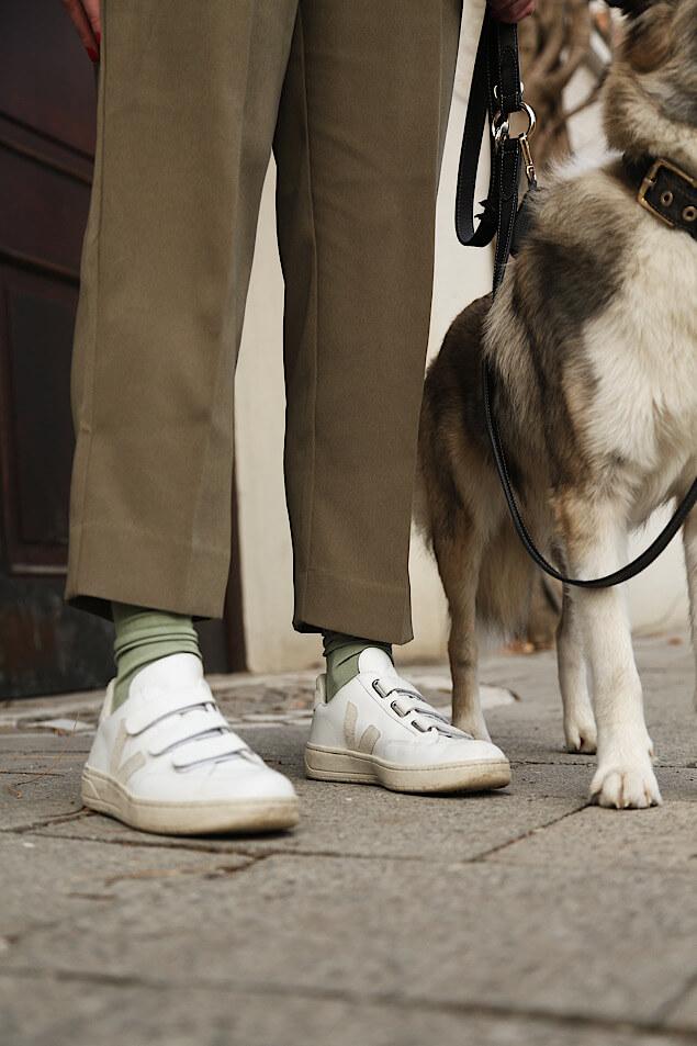 Lightweight Sneakers im Alltag tragen