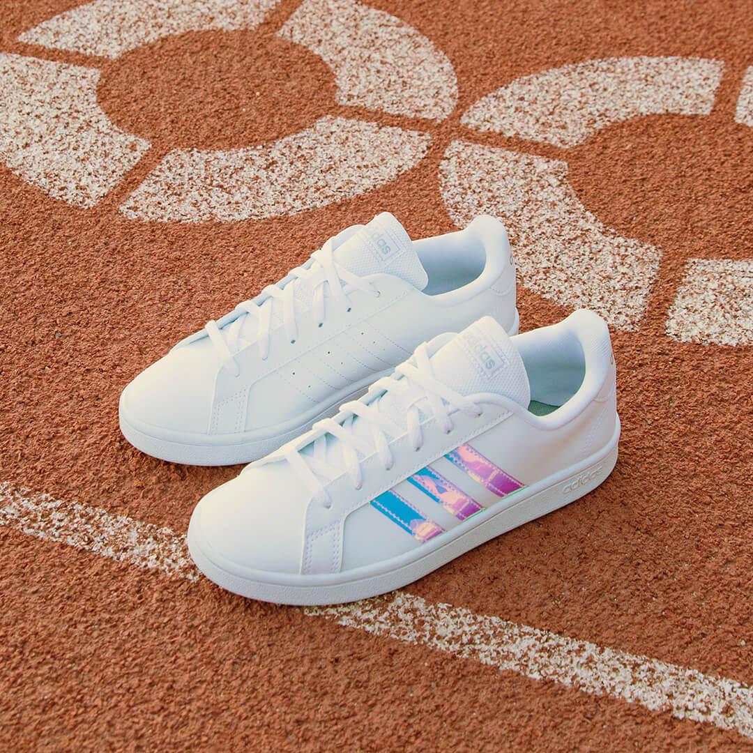 adidas Sneaker Female