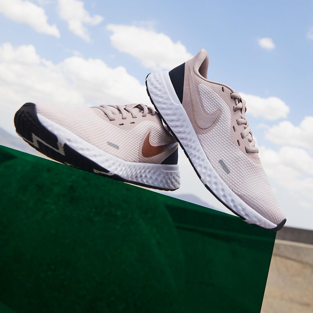 Nike Sneaker Female