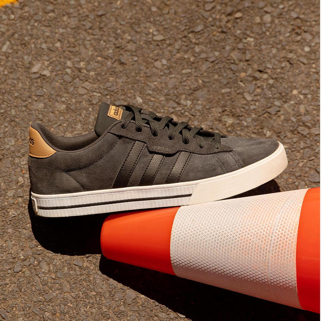 adidas Sneaker Male