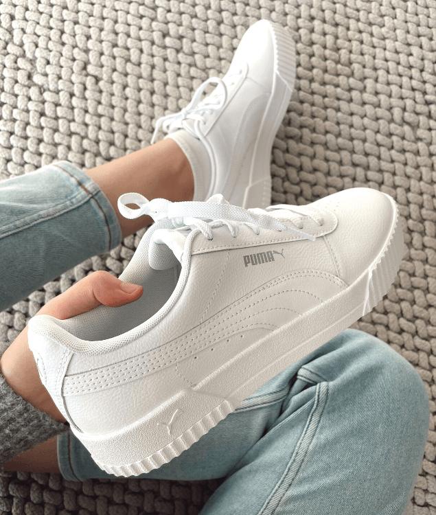 Sommeraccessoires Weiße Sneaker