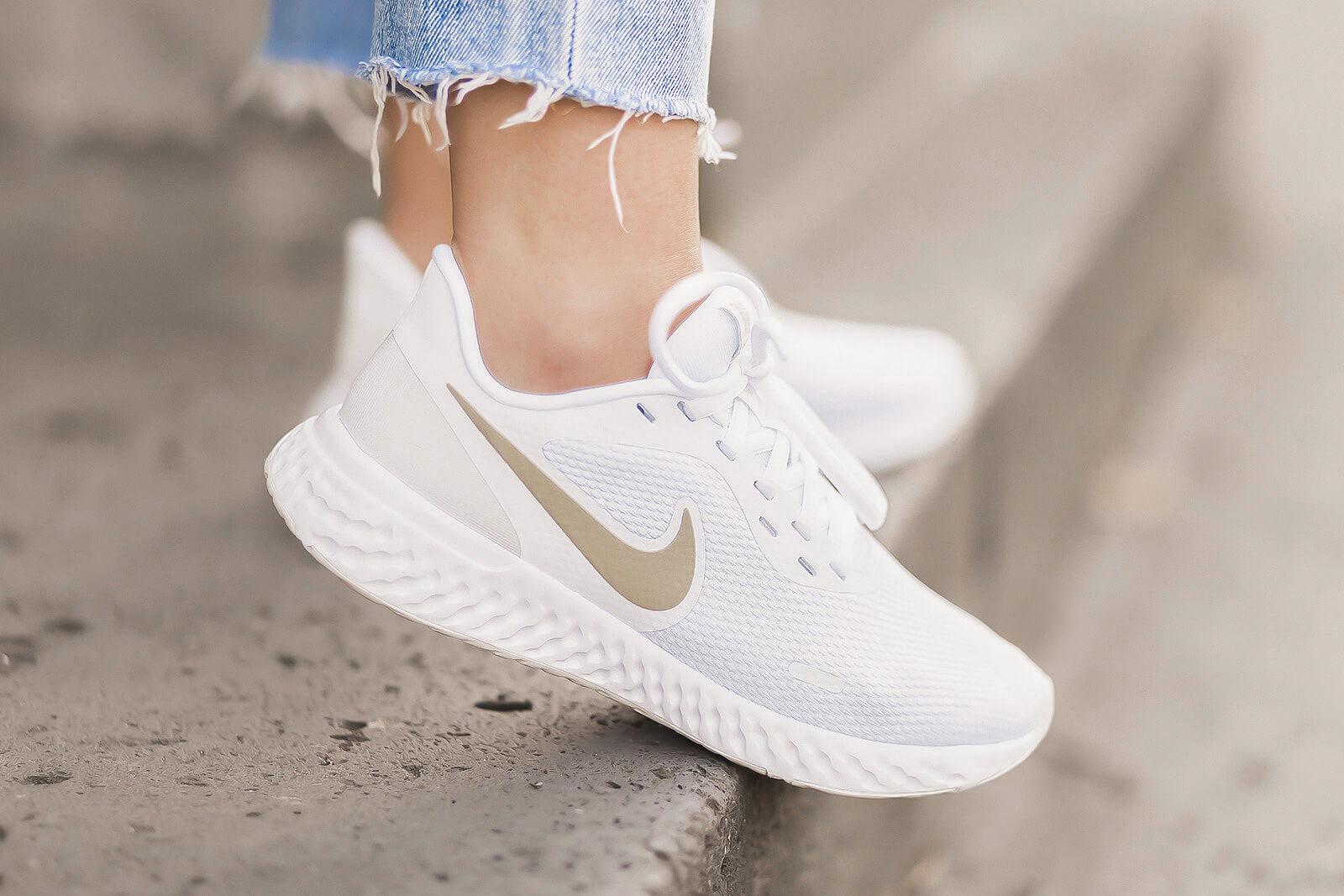 Running Sneaker kombinieren, Schuhtrend, Sneaker zum Blazer, Nike Sneaker, Shoelove by Deichmann