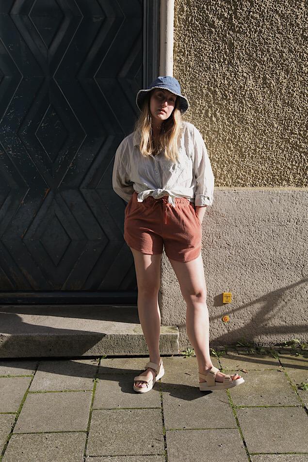 Sommerlook mit Fischerhut