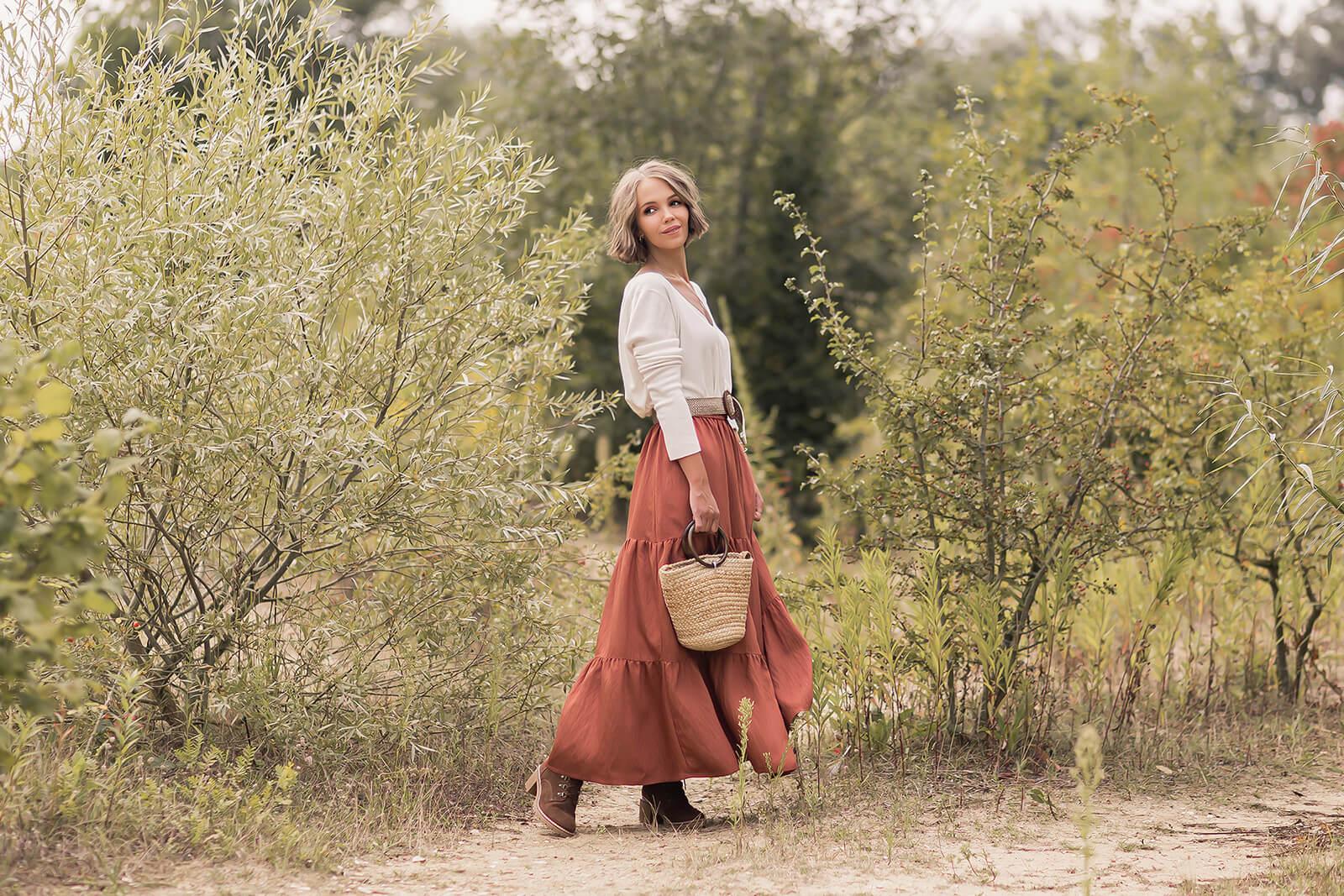 Maxiröcke im Herbst kombinieren, Herbstoutfit mit Rock und Stiefeletten, Shoelove by Deichmann