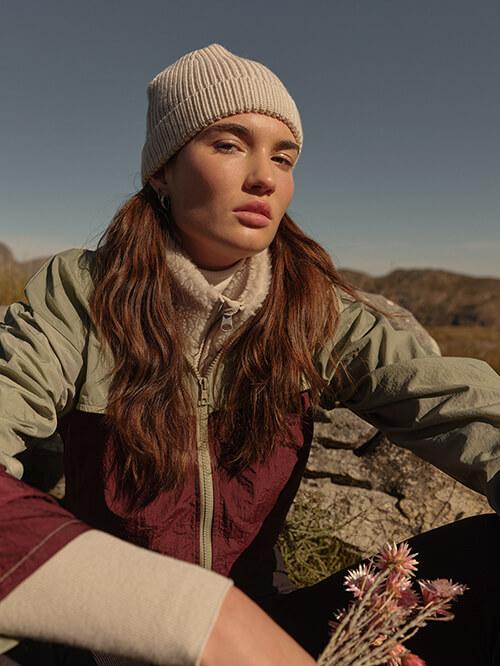 Outdoor-Kleidung beim Wandern