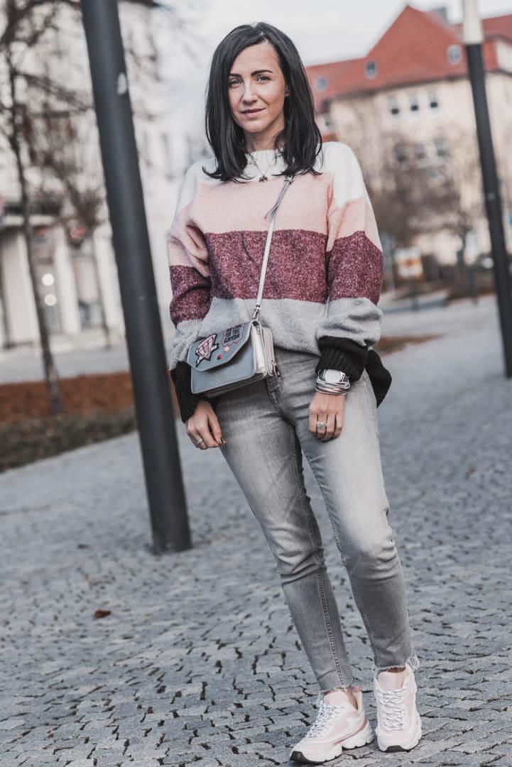 Bunte Streifenpullover für mehr Farbe im Winter Shoelove Deichmann