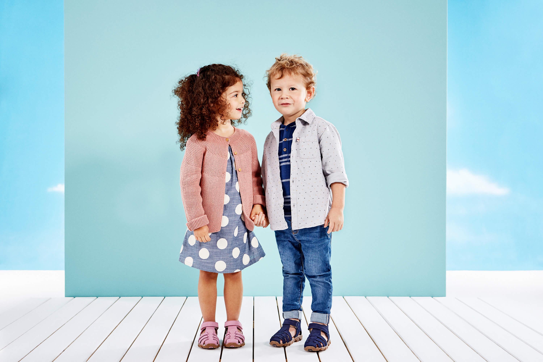 Schuhgröße messen Junge und Mädchen