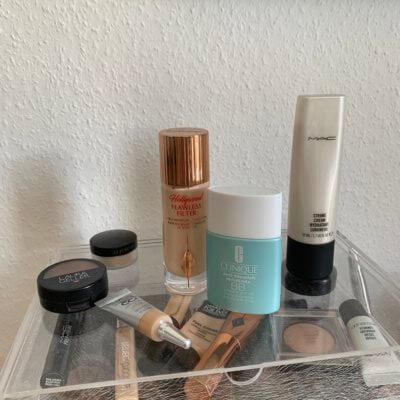 Make-Up square