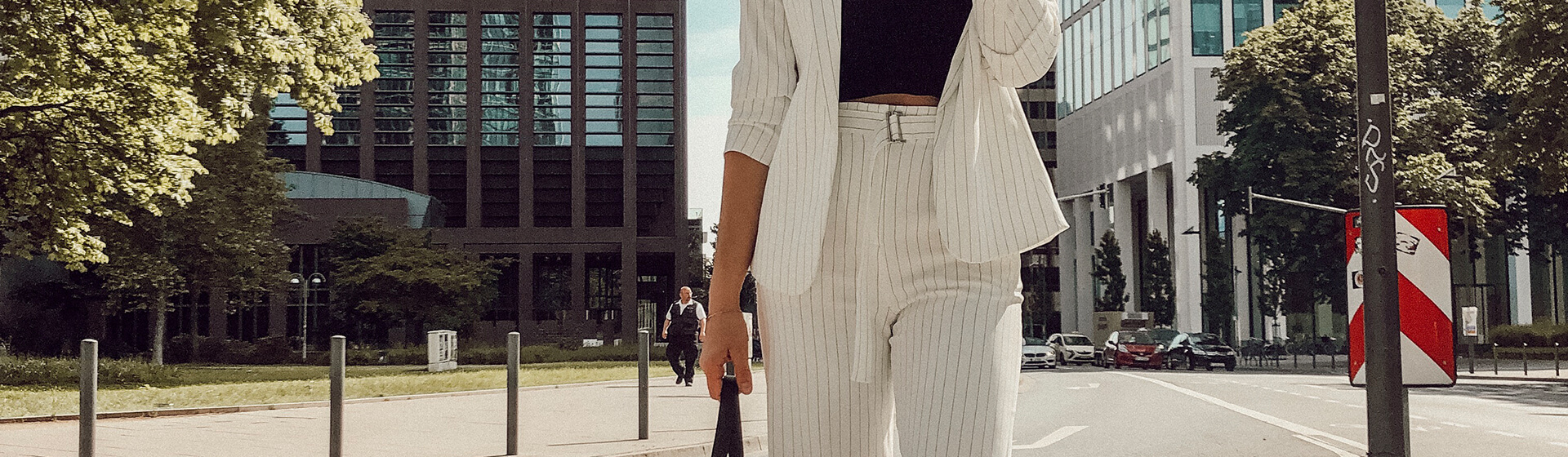 Sommerlicher Power Suit