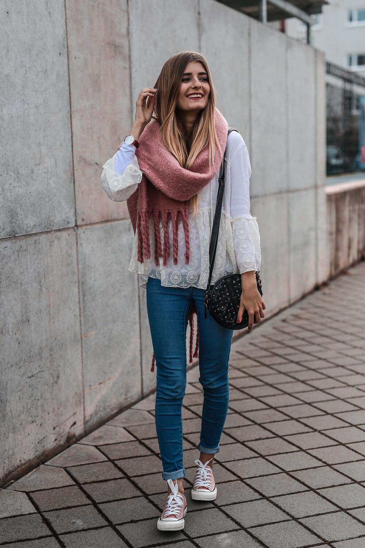 So stylt ihr rosafarbene sneaker shoelove by deichmann for Rosa kombinieren