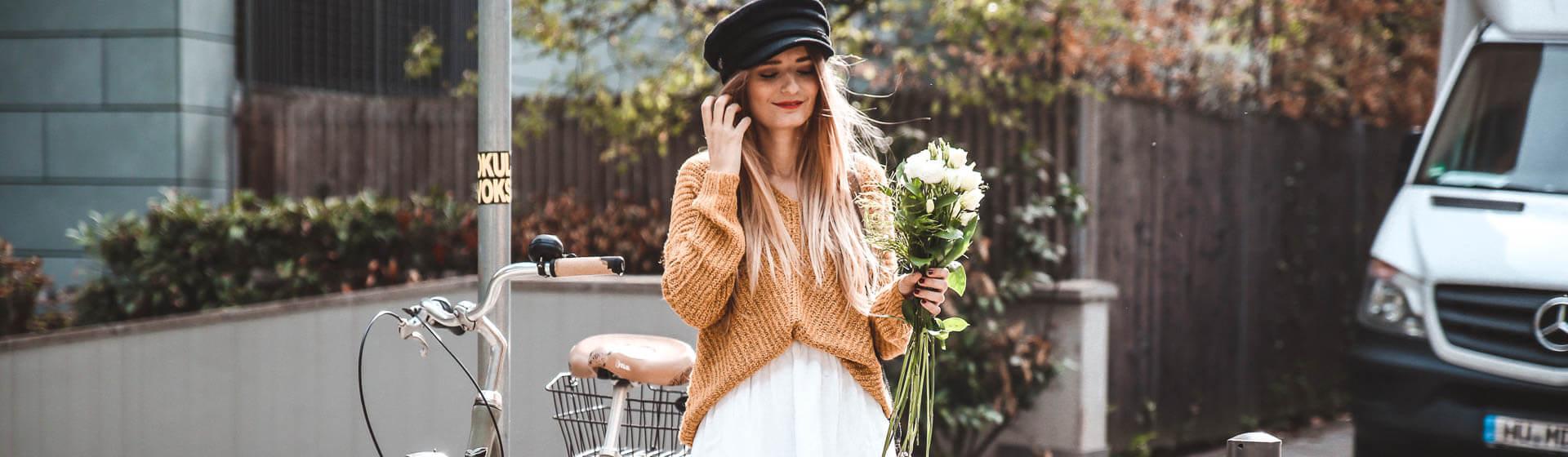 Senfgelben Pullover im Herbst kombinieren