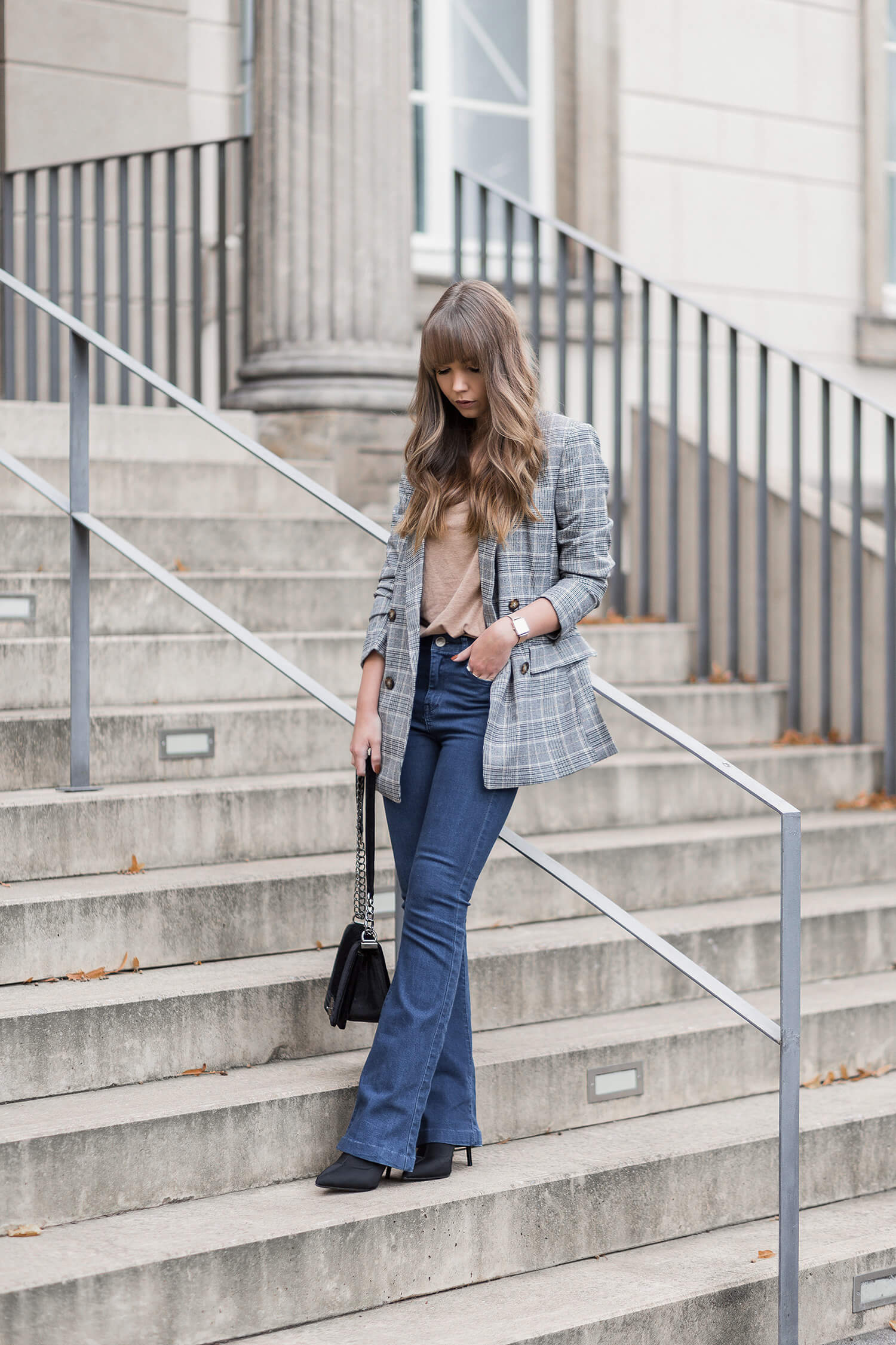 Bootcut Jeans stylen, Herbsttrend, Shoelove by Deichmann