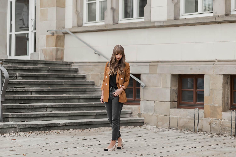 Braune Blazer stylen im Herbst, Herbsttrend, Shoelove by Deichmann