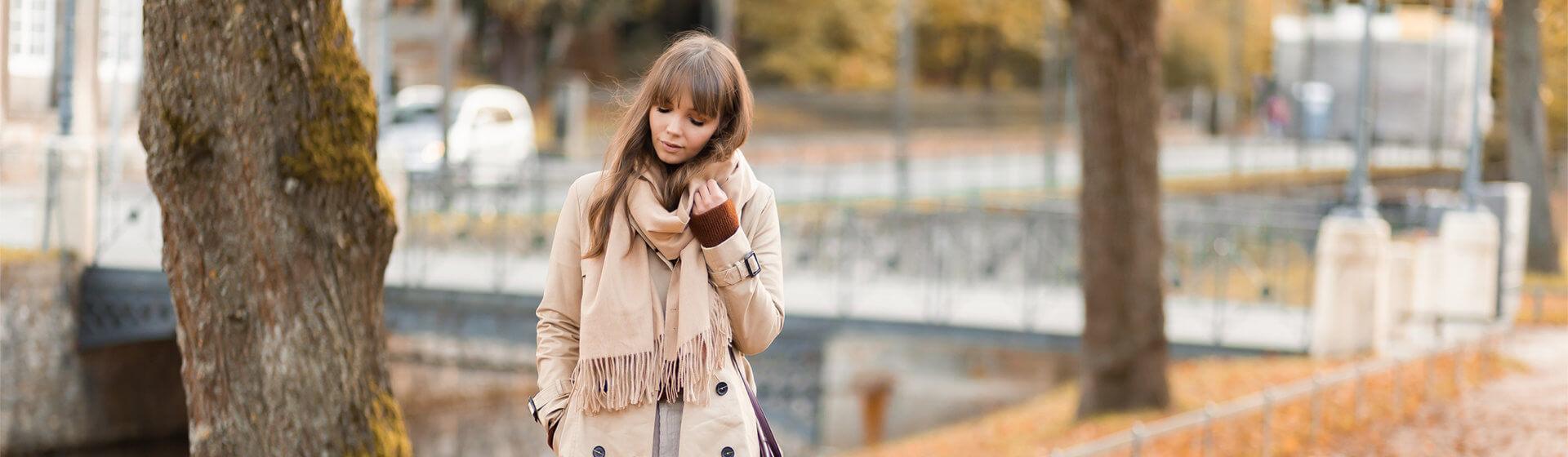 Herbst Basics für stilvolle Outfits, Trenchcoat, klassische Stiefeletten, Trendstoff Cord, Shoelove by Deichmann