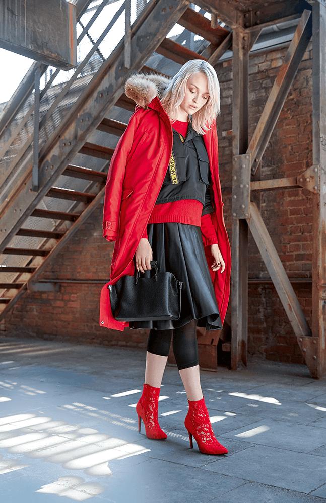 herbst-style-faltenrock-sock-boots-rot-schwarz