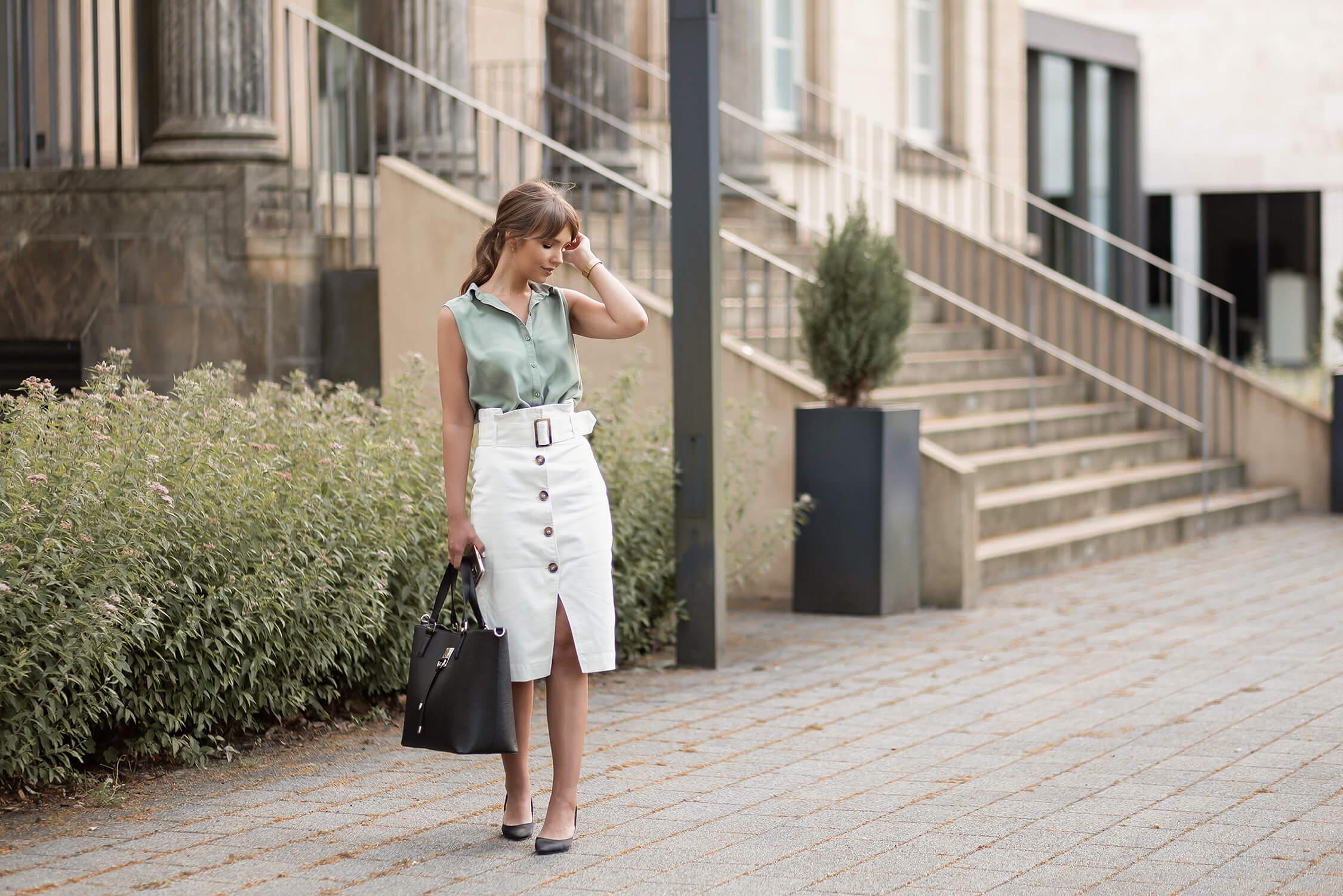 Leichter Büro Look für heiße Tage, Sommer Büro Outfit Styling-Tipps, Shoelove by Deichmann