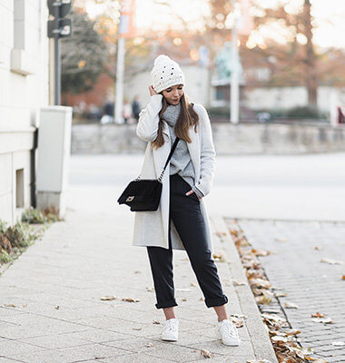 Loungewear im Alltag, lässiges Alltagsoutfit mit Jogginghose, Shoelove by Deichmann