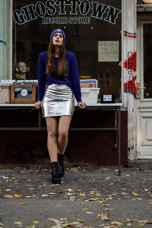 Metallic Trend im Herbst-Herbstoutfit Minirock-Plateau Boots Herbst-Shoelove by Deichmann-Modeblog-andysparkles
