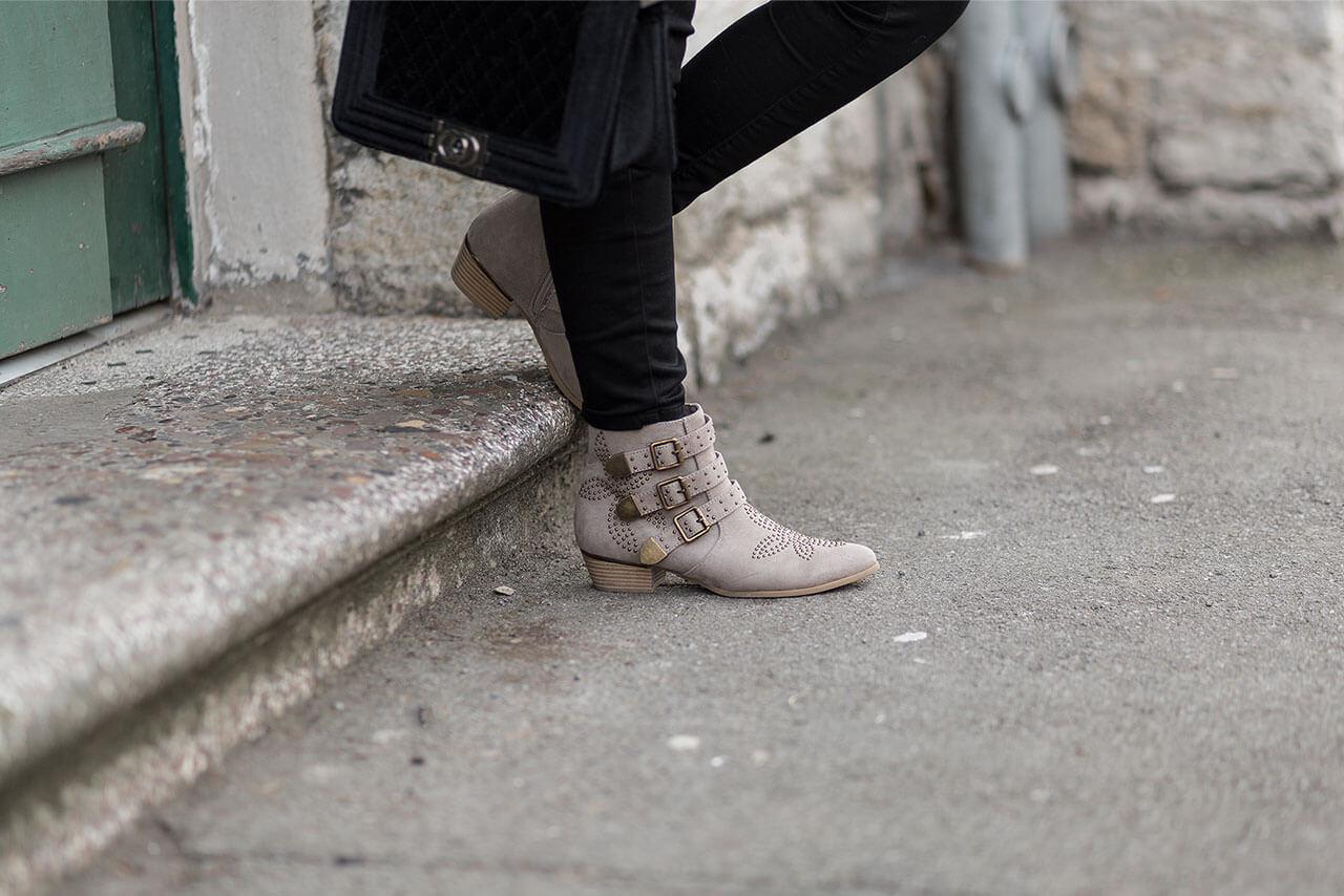 Schwarz und Braun kombinieren, Schwarz-Braun Outfit, Modesünde oder schicke Kombination, Shoelove by Deichmann