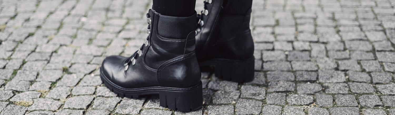 Wie kombiniere ich Punk-Stiefel