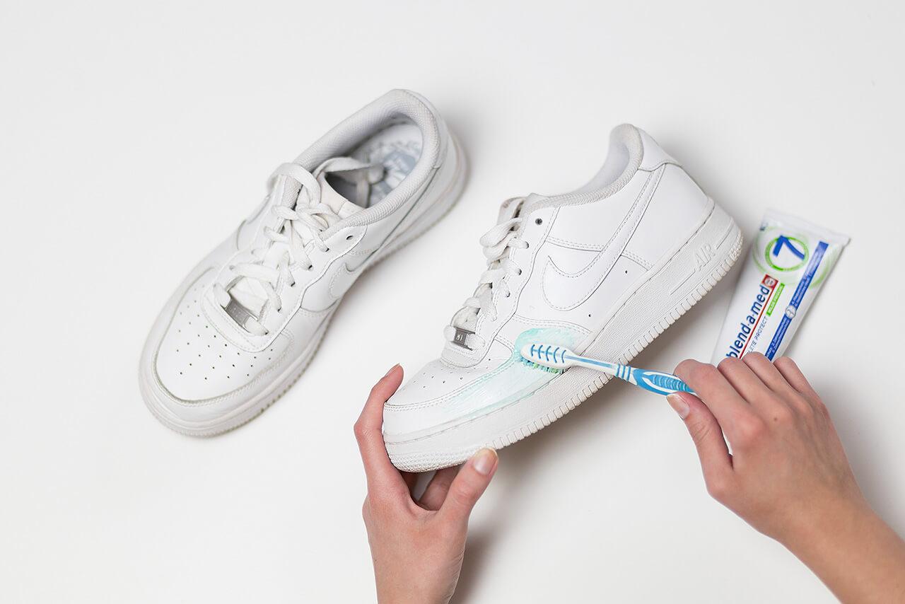 So werden eure Sneaker wieder sauber! - Shoelove by Deichmann