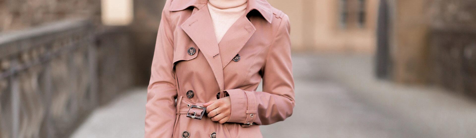 Trenchcoats in zarten Frühlingsfarben, rosa Trenchcoat kombinieren, Frühlingsoutfit, Shoelove by Deichmann