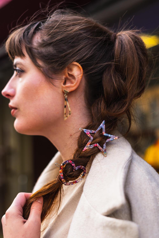 Verspielte Haarspangen zum Frühlingsoutfit