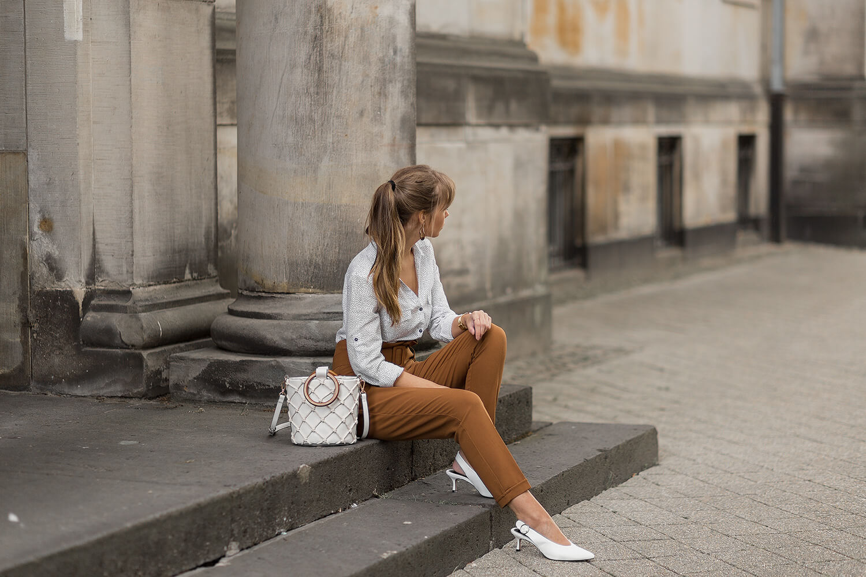 So stylst du weiße Pumps stilvoll im Alltag, Shoelove by Deichmann