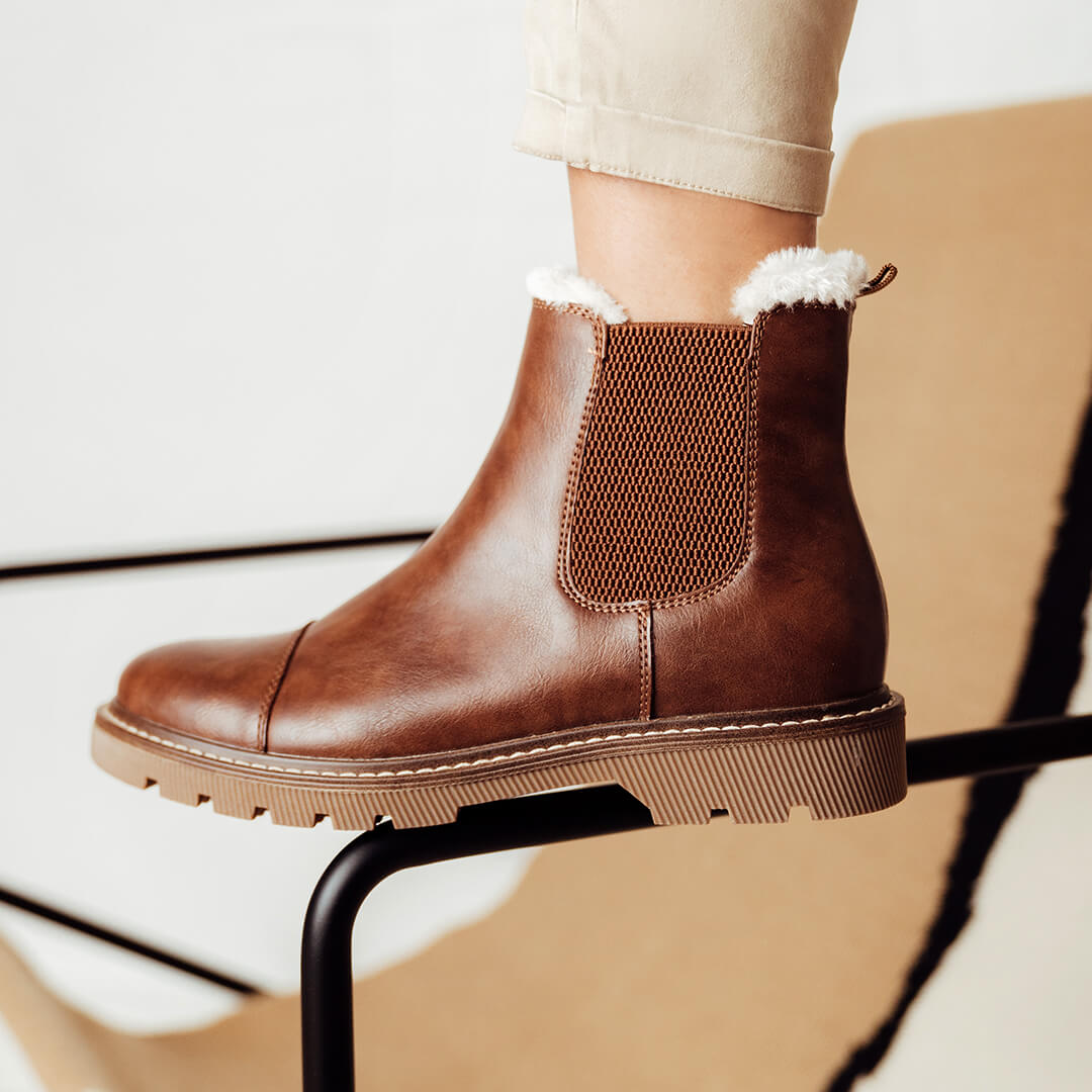 bota borreguito marrón