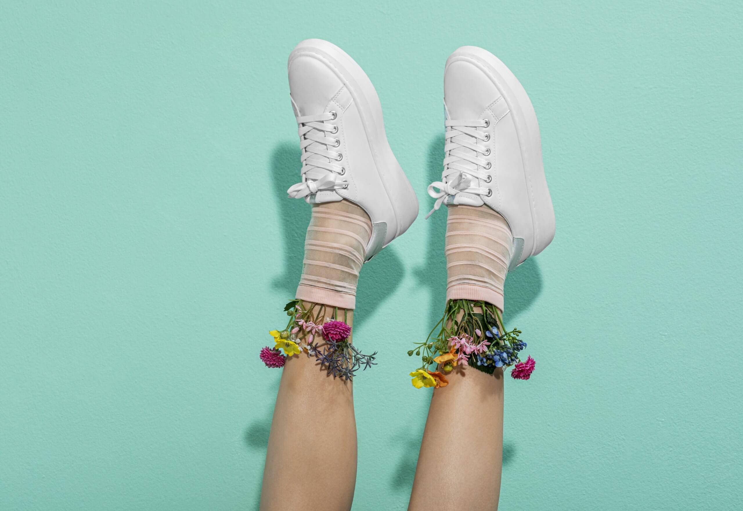 Cómo combinar zapatillas mujer